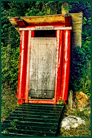 Le Outhouse - (Quebec, Canada)